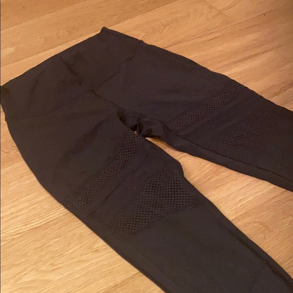 Lululemon wonder under mesh tights